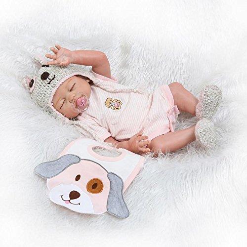 Ce bébé reborn pas cher est livré avec sa sucette, son bavoir et pleins d'autres accessoires utiles.