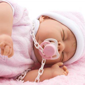 Ce bébé reborn de sexe féminin est parfumé à la vanille.