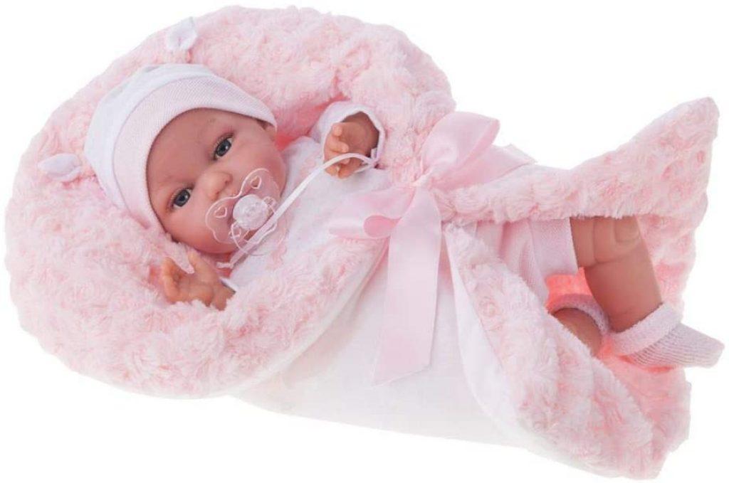 La poupée réaliste Toneta est livrée avec sa sucette.