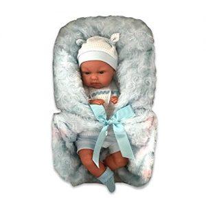 Bébé reborn pas cher qui se prénomme Tonet.
