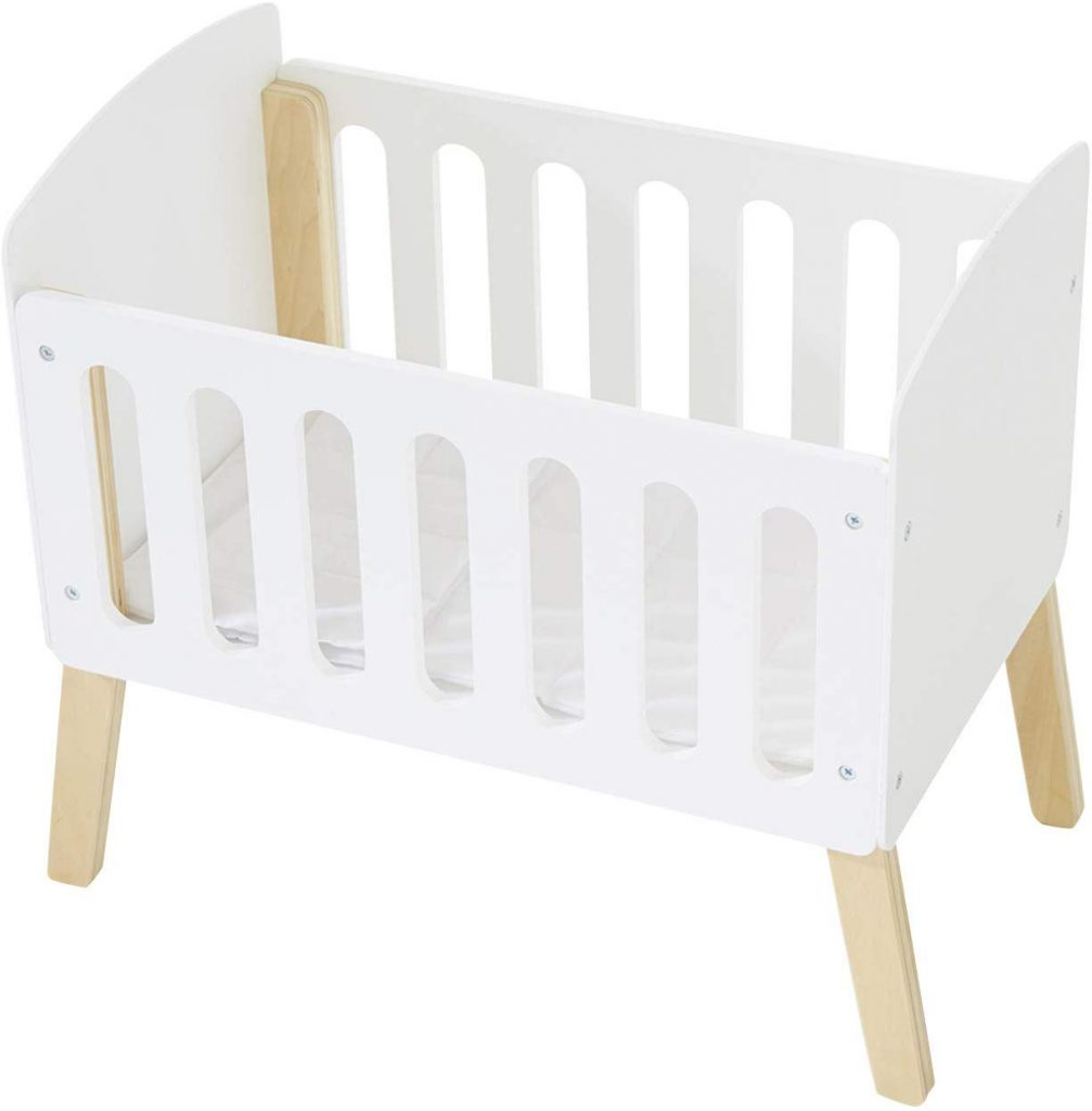 Le lit poupon Verbaudet propose un style scandinave qui plaira à toute la famille.