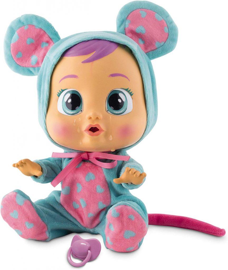 La poupée Cry Babies Lala a un sublime pyjama avec des petits coeurs.