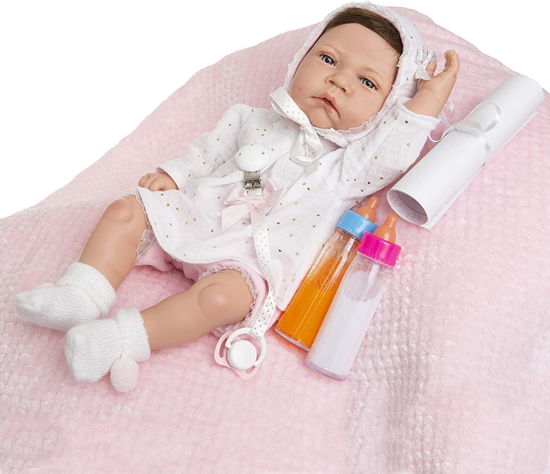 La poupée Carmen Maria Jesus est très réaliste.