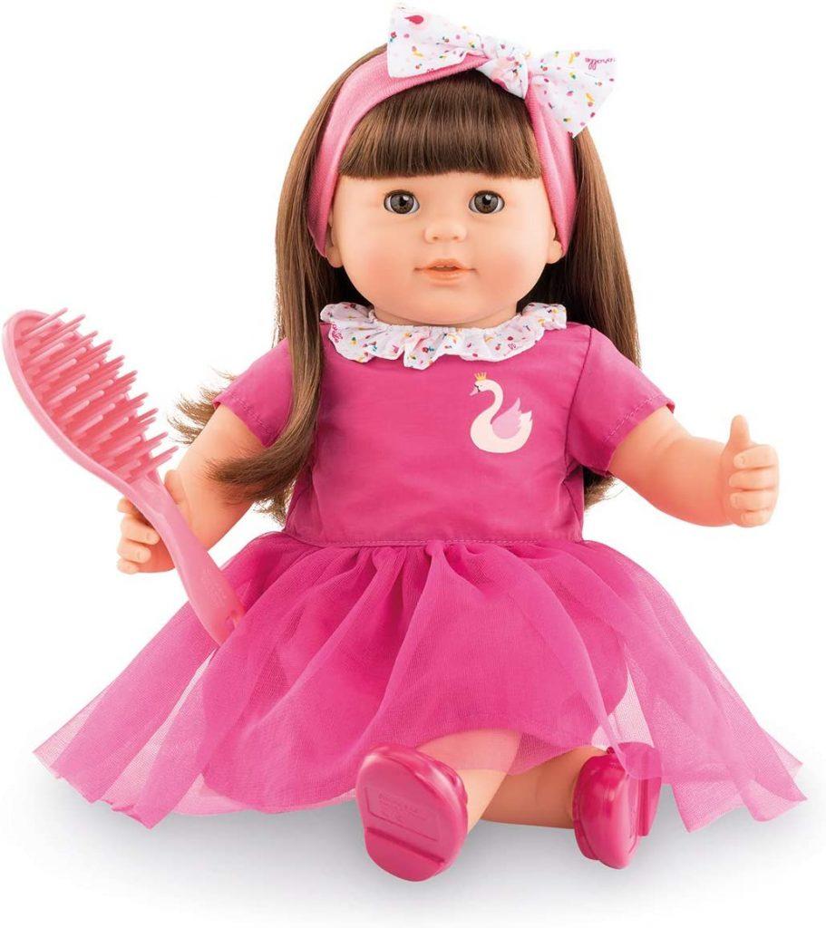 La poupée Corolle Alice mesure 36 centimètres.