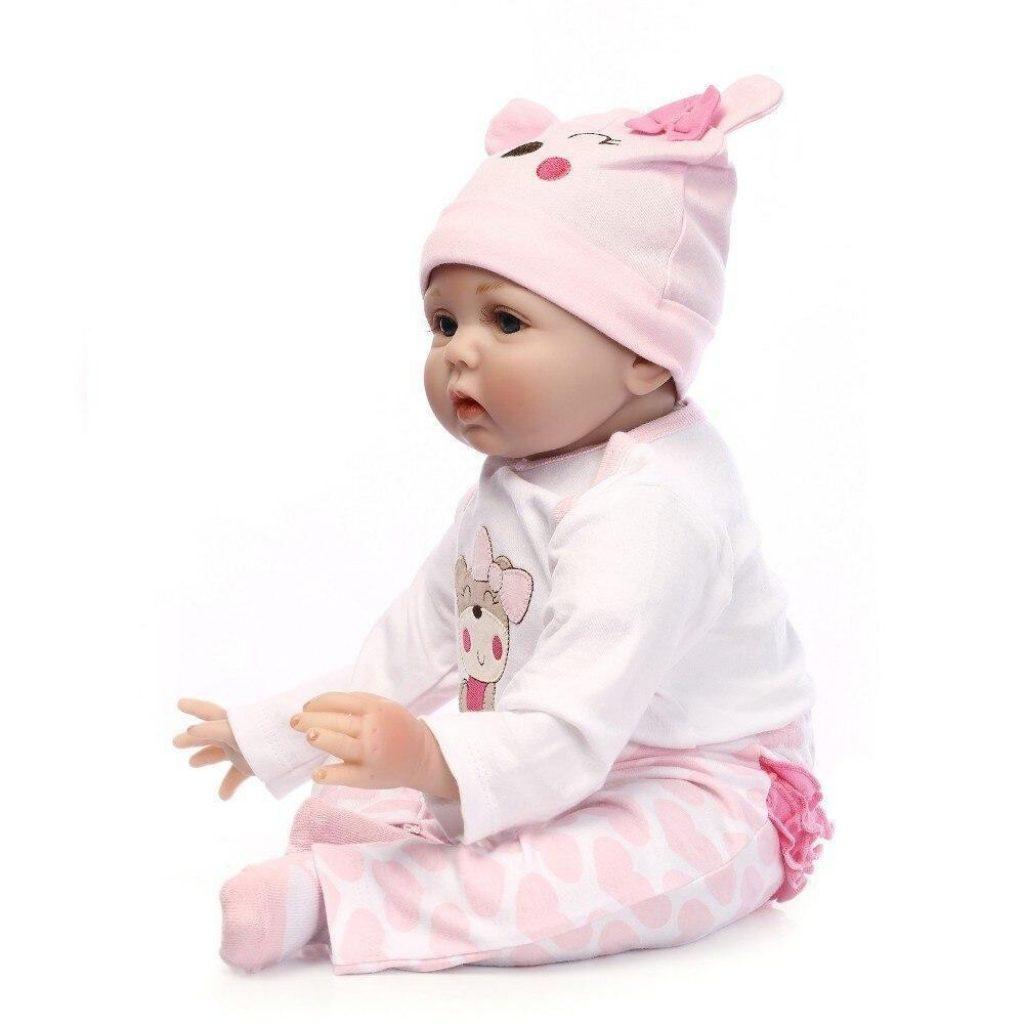 Ce reborn représente un nouveau-né qui s'appelle Romy.