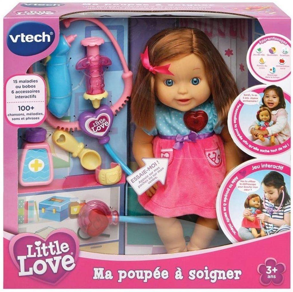 La poupée vtech Little Love inclut 6 accessoires.