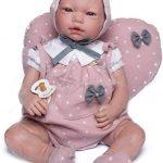 La poupée reborn Violette de Guca mesure 46 cm.