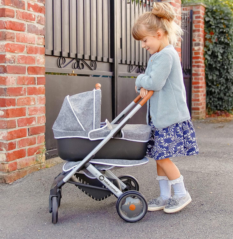La poussette Bébé Confort Smoby existe en deux coloris.