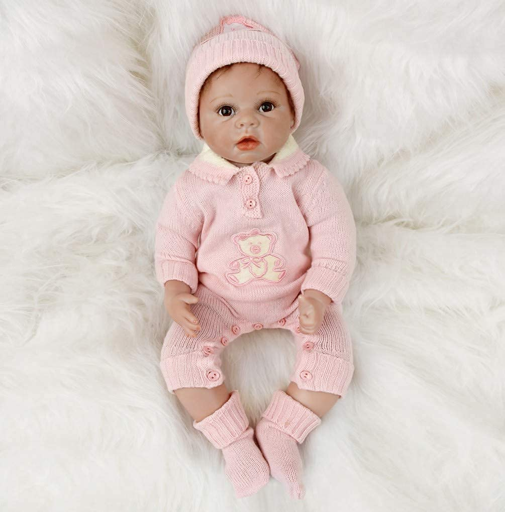 Ce bébé reborn réaliste a les yeux de couleur marron.