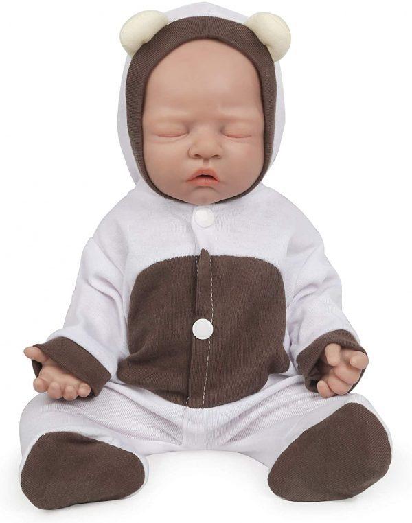 Craquez pour l'un de ces bébés reborn au corps complet en silicone souple aux yeux clos de la marque Vollence.