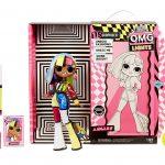 La poupée Lol OMG Angles a des cheveux multicolores.