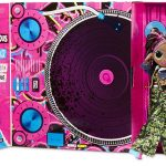 Honeylicious est l'une des poupées Lol OMG Remix.