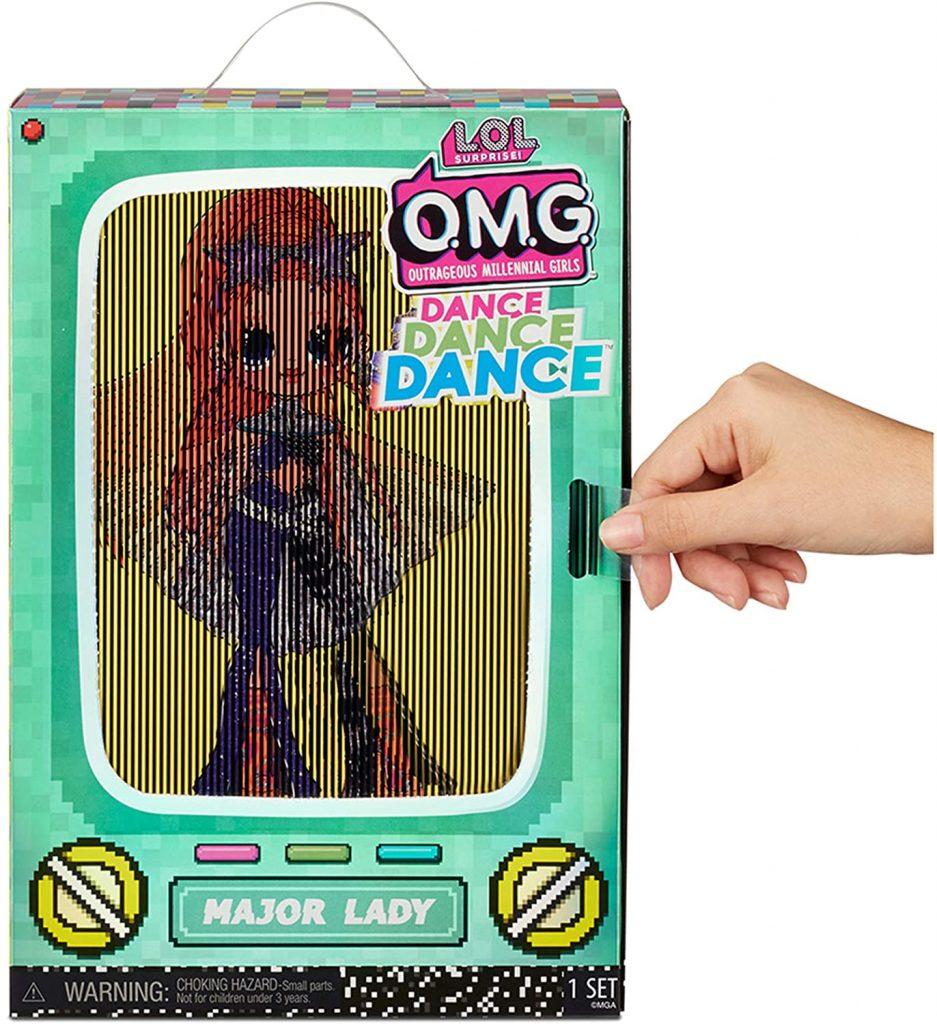 L'emballage de la poupée Lol Major Lady a une image qui se met en mouvement quand vous utilisez la languette prévue à cet effet.