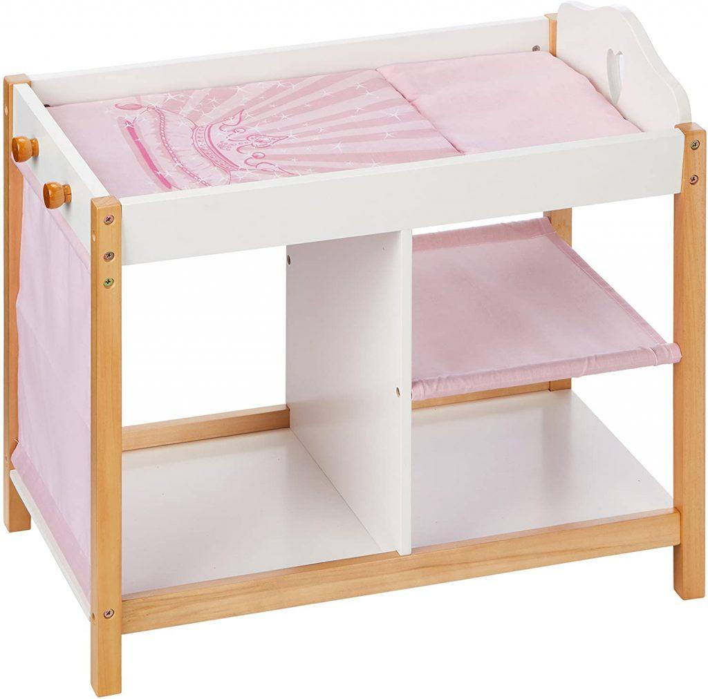 La table à langer jouet Scarlett est une création de la marque Roba.